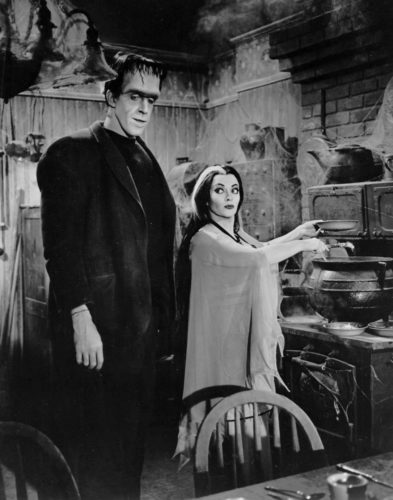 Fred_Gwynne_Yvonne_DeCarlo_The_Munsters_1964